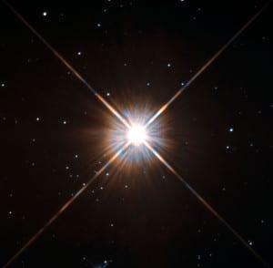 Próxima Centauri, la estrella más cercana al Sistema Solar, es una enana roja de clase M. Crédito: ESA/Hubble & NASA
