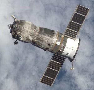 Imagen de la nave Progress 47 (una de las variantes de Roscosmos) abandonando la EEI. Crédito: NASA