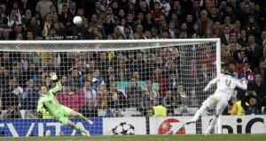 Sergio Ramos demostrando que, cuando él apunta alto, no se conforma con menos que la Luna