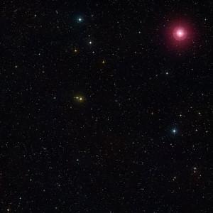Mira, la primera estrella variable conocida y el arquetipo de las estrellas variables del tipo Mira. Crédito: DSS 2/ESO