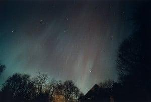 Fotografía de la aurora del 13 de marzo de 1.989, en Sea Cliff, en el estado de Nueva York. Crédito: Ken Spencer