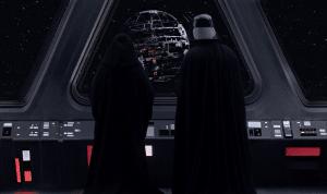 Darth Vader y el Emperador observan la construcción de la Estrella de la Muerte. Crédito: Lucasfilm / Starwars.com