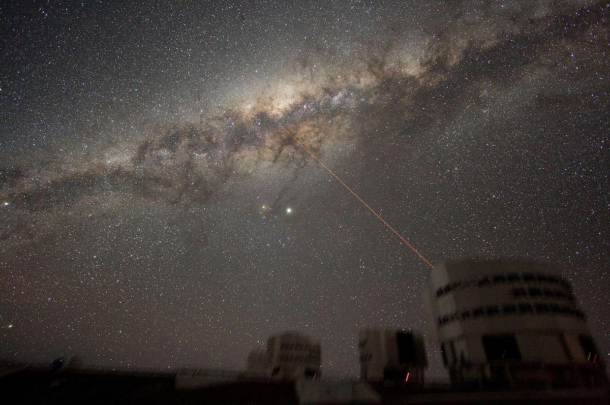 La contaminación lumínica aumenta por los satélites