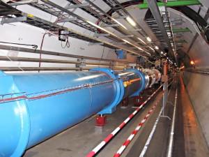 Un túnel del Gran Colisionador de Hadrones. Crédito: Julian Herzog