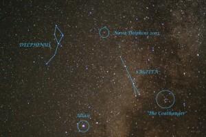 Imagen en la qu aparece remarcada Nova Delphini 2013 (y algunas constelaciones). Crédito: Jimmy Westlake, Colorado Mountain College