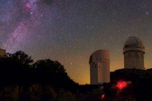 Imagen del observatorio Kitt Peak. Crédito: Babak Tafreshi/National Geographic Creative