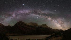 La Vía Láctea vista desde un parque nacional. Crédito: Dan Duriscoe