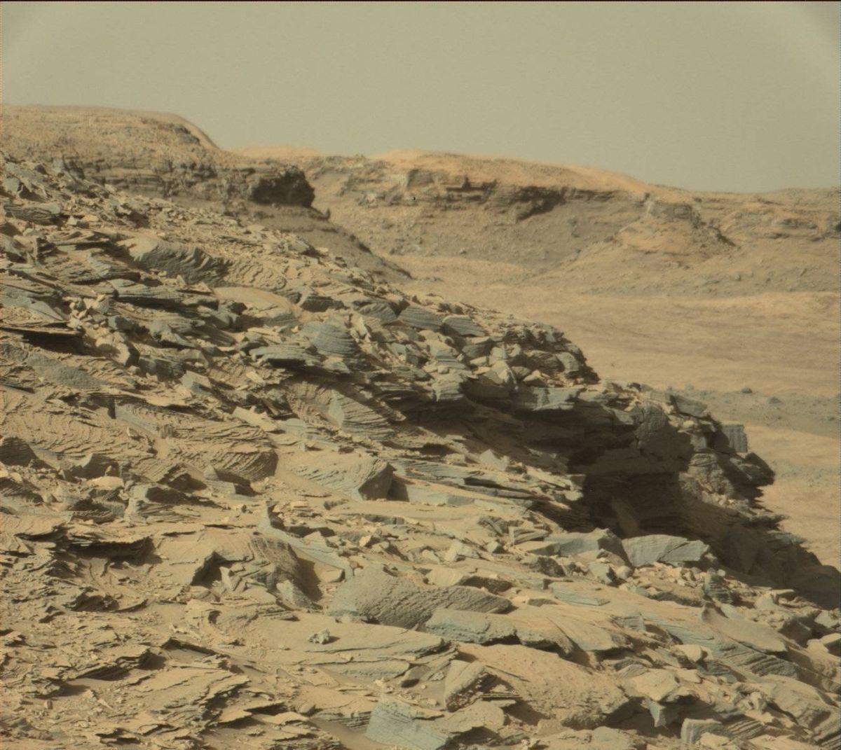 El róver Curiosity escala una colina (y logra un récord)