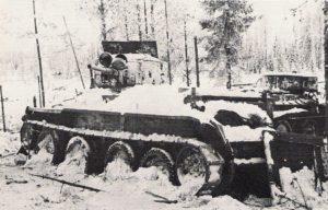 Un tanque ruso BT-5 destruido durante la Guerra de Invierno (1939-1940). Credit: Wikimedia Commons/SA-kuva/Finnish Army Pictures
