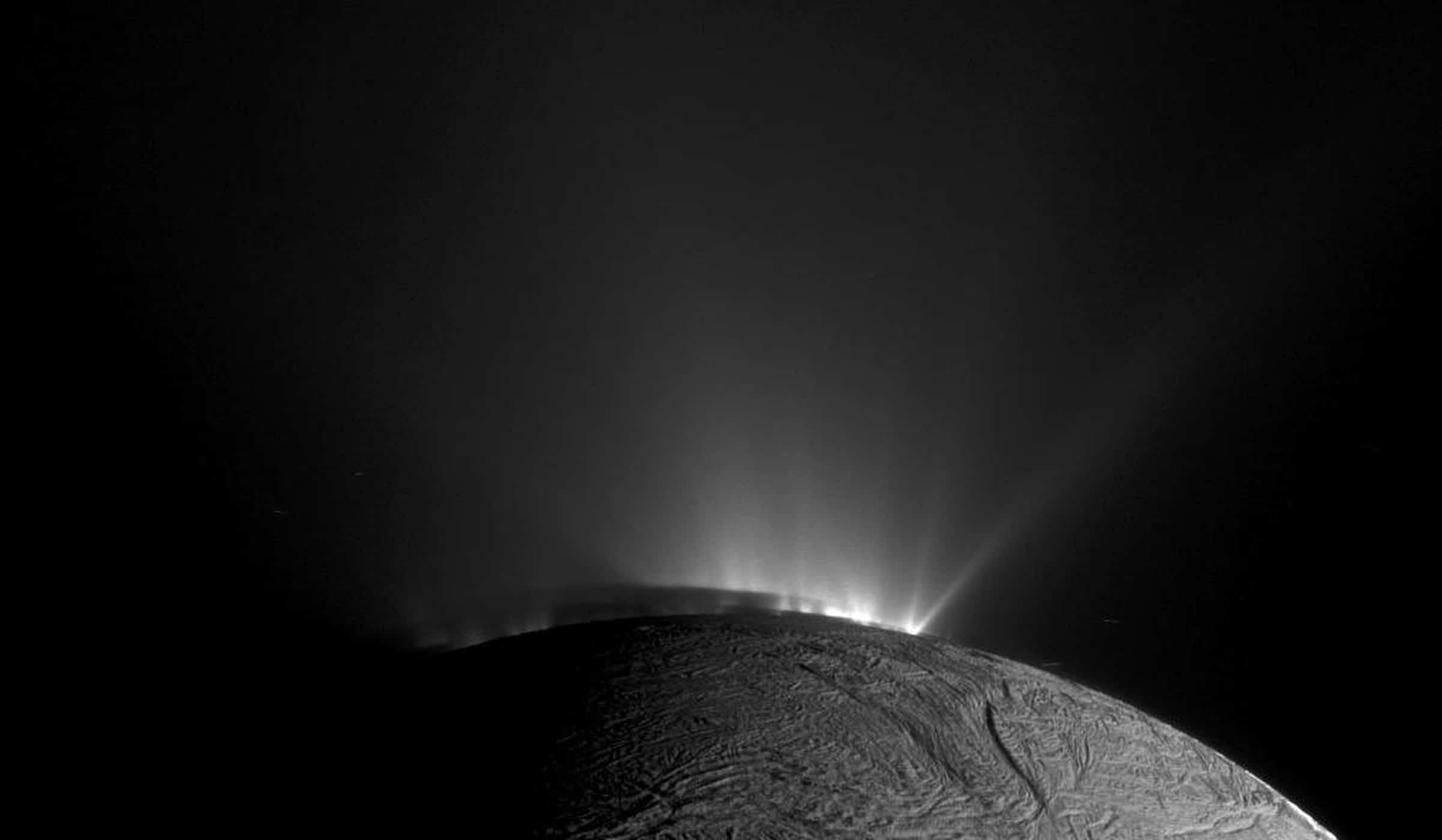 ¿Cómo buscar vida en Encélado?