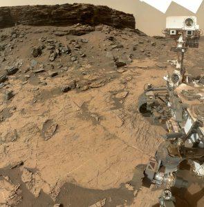 Un selfie del rover Curiosity en Murray Buttes, en el cráter Gale en Marte. Es el lugar en el que se ha detectado la presencia de boro en Marte.