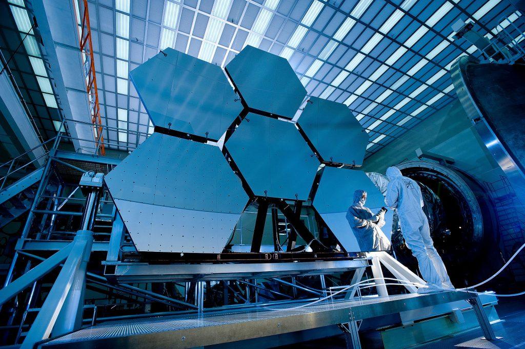 El Telescopio Definitivamente Grande: ¿Cómo ver las primeras estrellas?