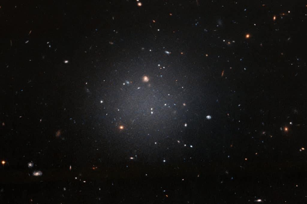 Galaxias sin materia oscura: descubren otra galaxia ultradifusa