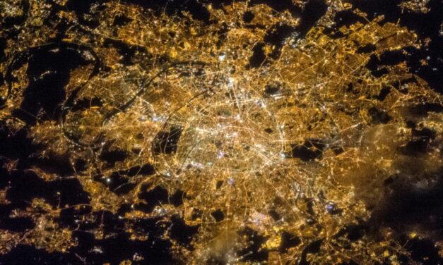 La principal causa de contaminación lumínica no son las luces de la calle