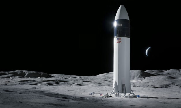 SpaceX podría enviar astronautas a la Luna antes de 2024